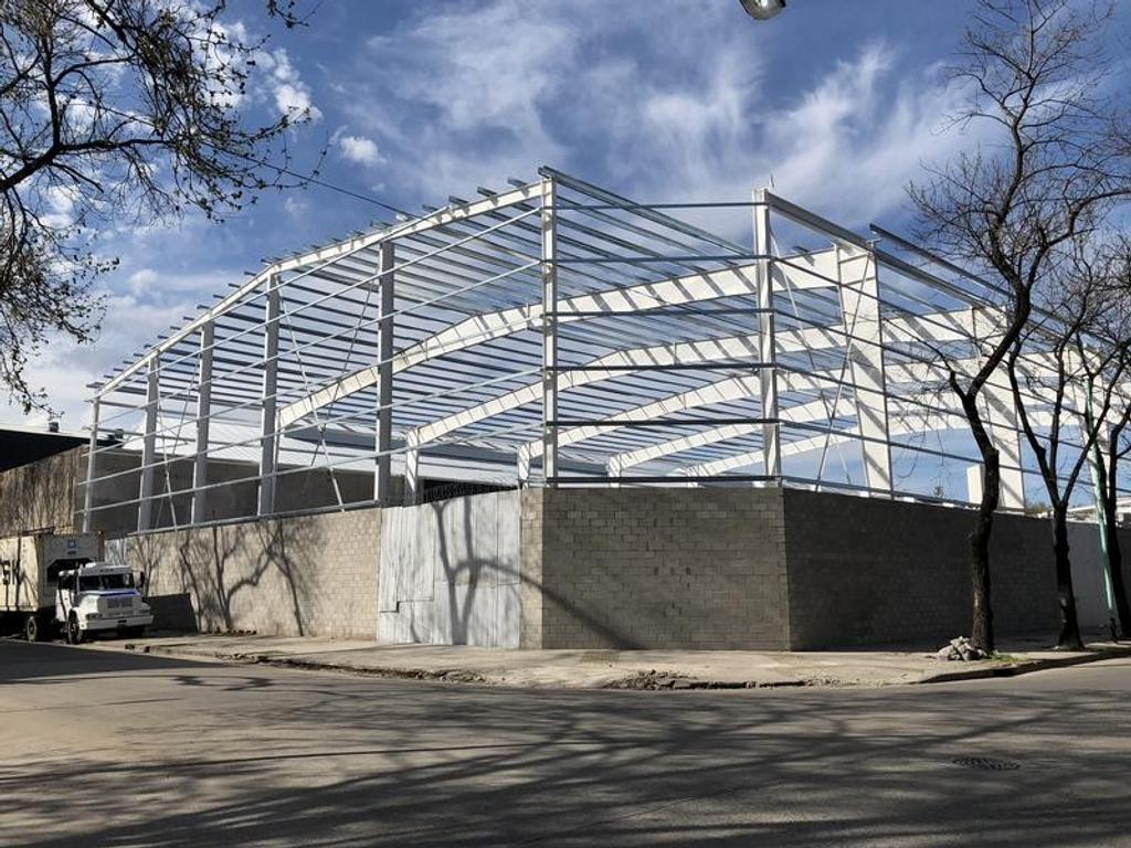Depósito en alquiler de 5.000 m2 cubiertos y 3.000 m2 de playa de maniobras