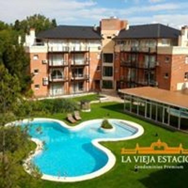 Oportunidad exclusivo departamento  de dos ambientes con terraza, parrilla y cochera subterránea.