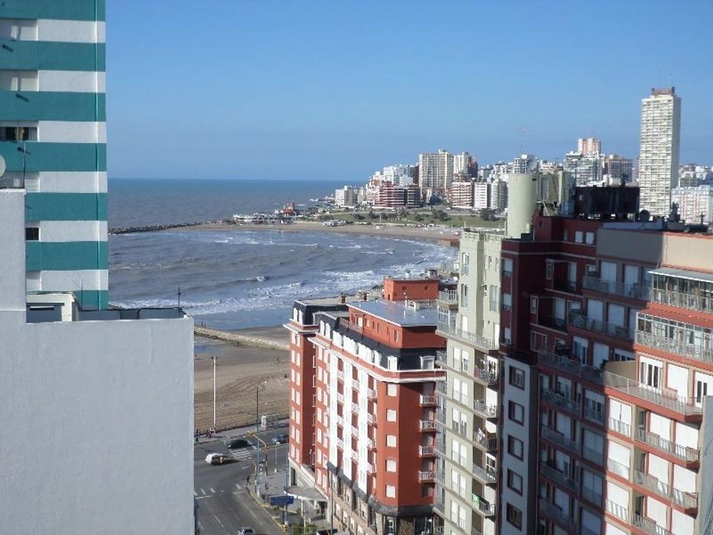 3 amb. a la calle| Balcón saliente| Vista al mar | Apto credito| Edificio con vigilancia las 24 hs.
