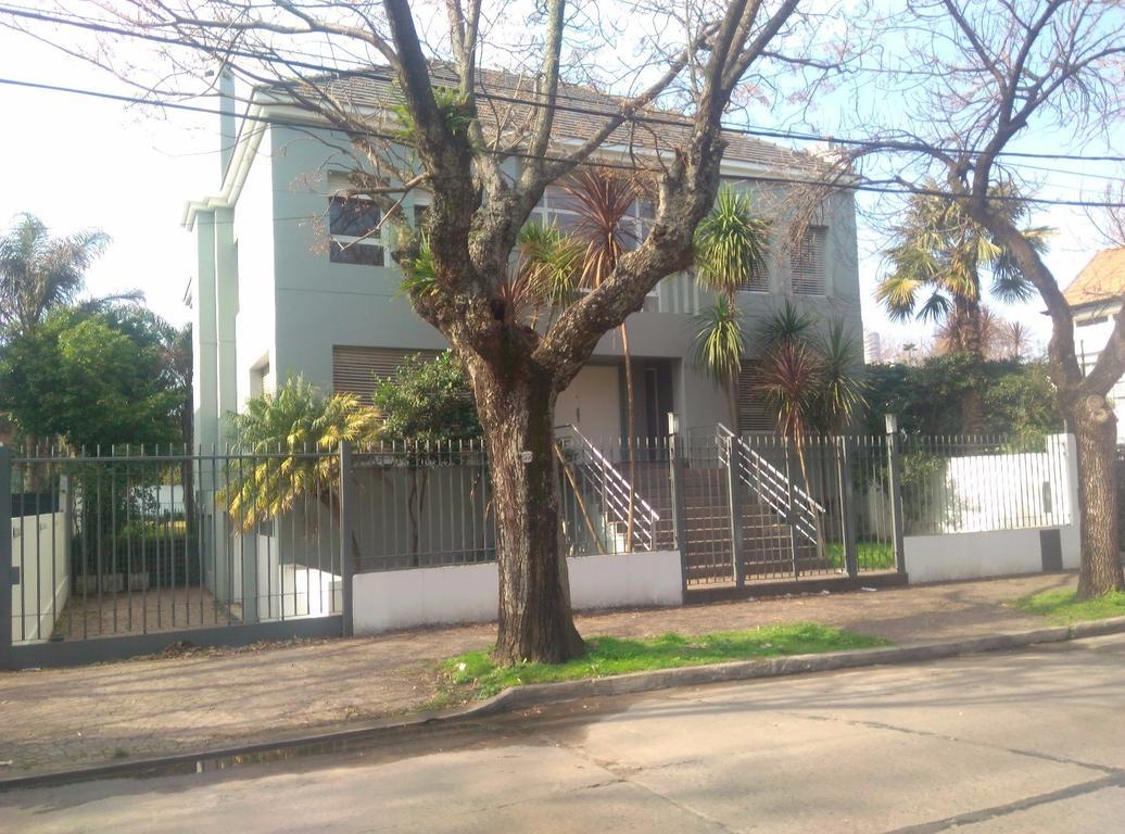 Excelente casa en Martinez.