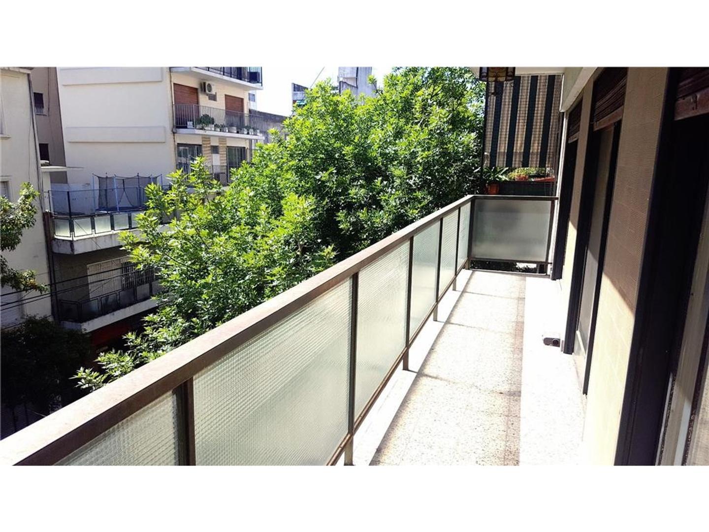 Luminoso. Al Frente. 3 Dormitorios + Dep.de Servicio, Cochera. Excelente Calidad de Edificación