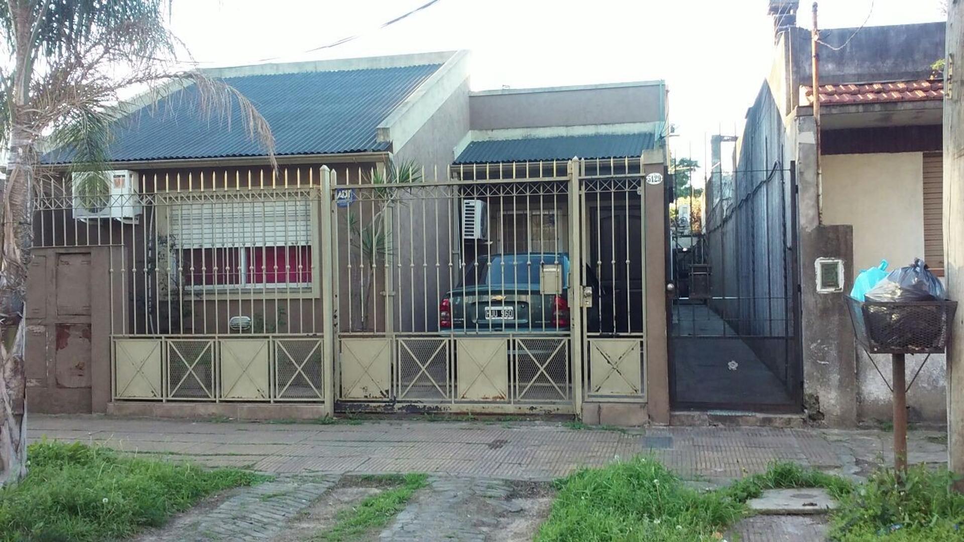 CASA en venta Sgo Parodi 5100 Caseros 2 dormitorios cocina bano APTO A CREDITO