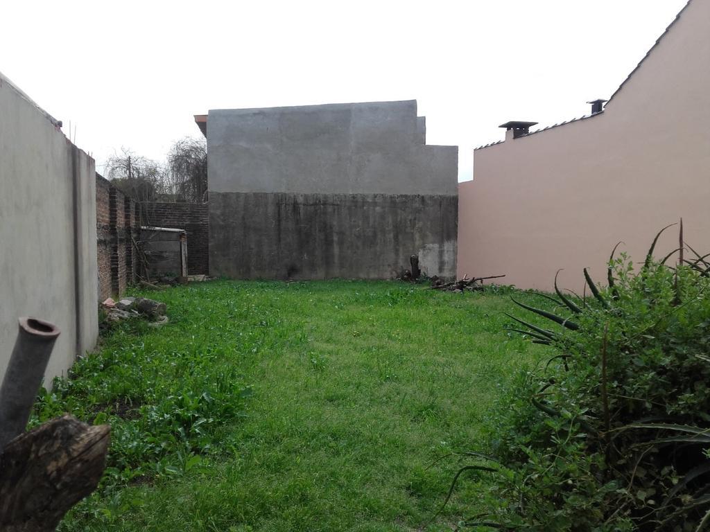Terreno muy bien ubicado, cercano al Acceso y Santa Rosa, Ituzaingó. APTO CRED.