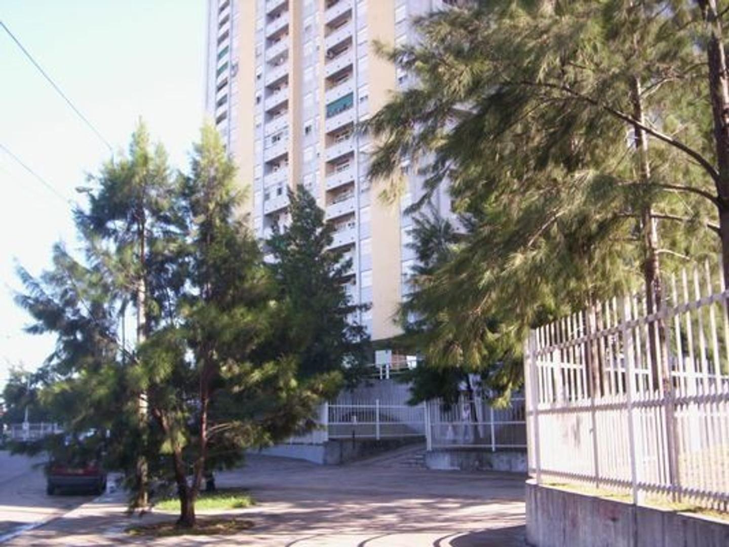 TORRES PUEYRREDON TIII- 2 AMBIENTES  EXCELENTE ESTADO CON COCHERA OPTATIVA