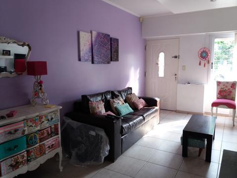 dueño vende Hermoso ph /calle 3 amb quincho, parrilla, patio y balcón s/exp muy luminoso 125 mts