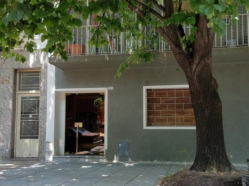 Hermoso dto. de 4 amb. - 3 dorm c placard, al frente con balcon, Lavadero, baño y toilette, 90m2