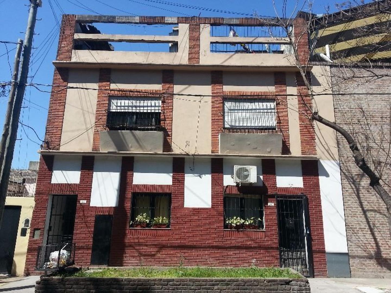 Alquiler Depto Villa Martelli  2 Amb chico c/ entrepiso Balcon Luminoso  1 x escalera Bjas Expensas