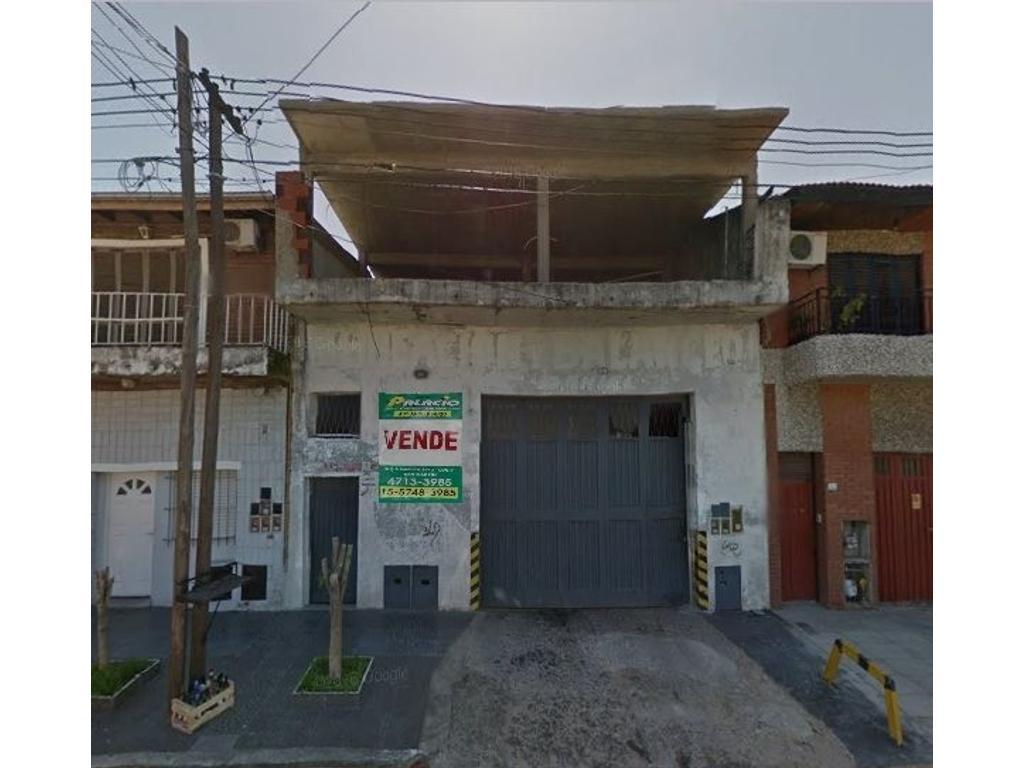 LOCAL/DEPÓSITO DE 7,11 x 24 C/BAÑO, OFICINA Y VIVIENDA.