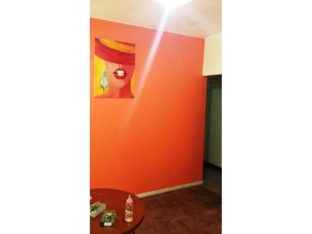 Departamento de dos ambientes amplios en Liniers Centro Oportunidad !!!