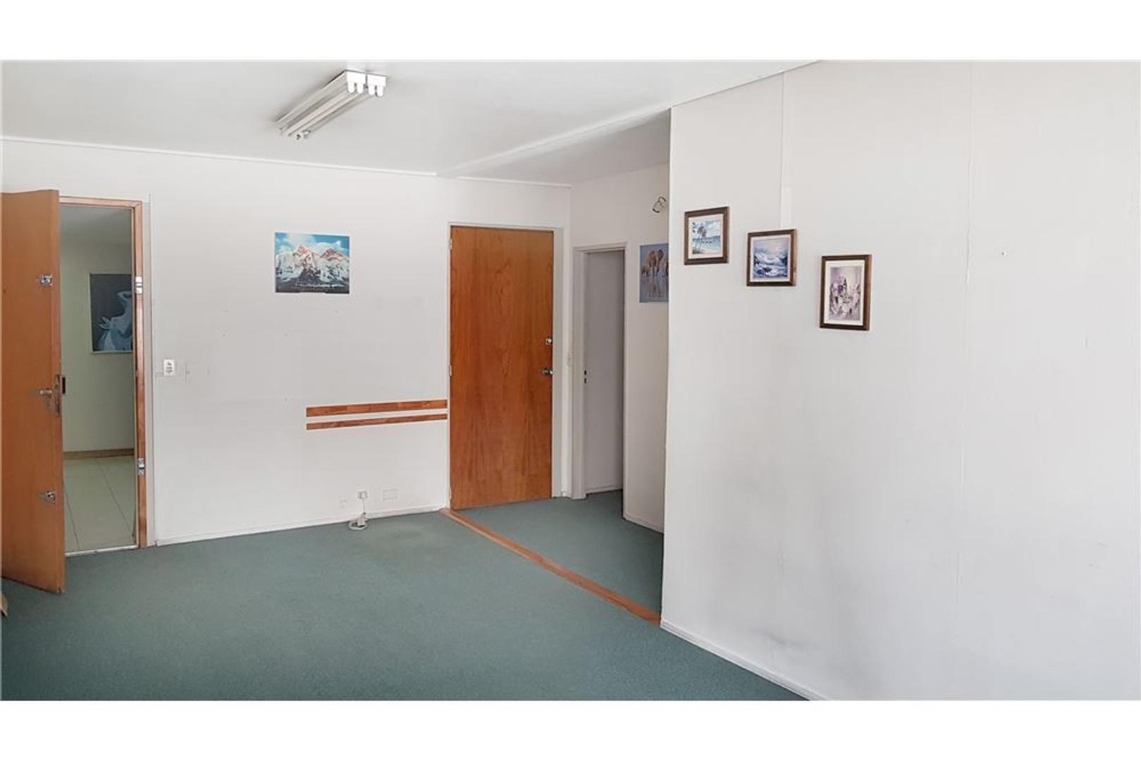 Alquiler Oficina 50m2 con Baño Privado Tribunales