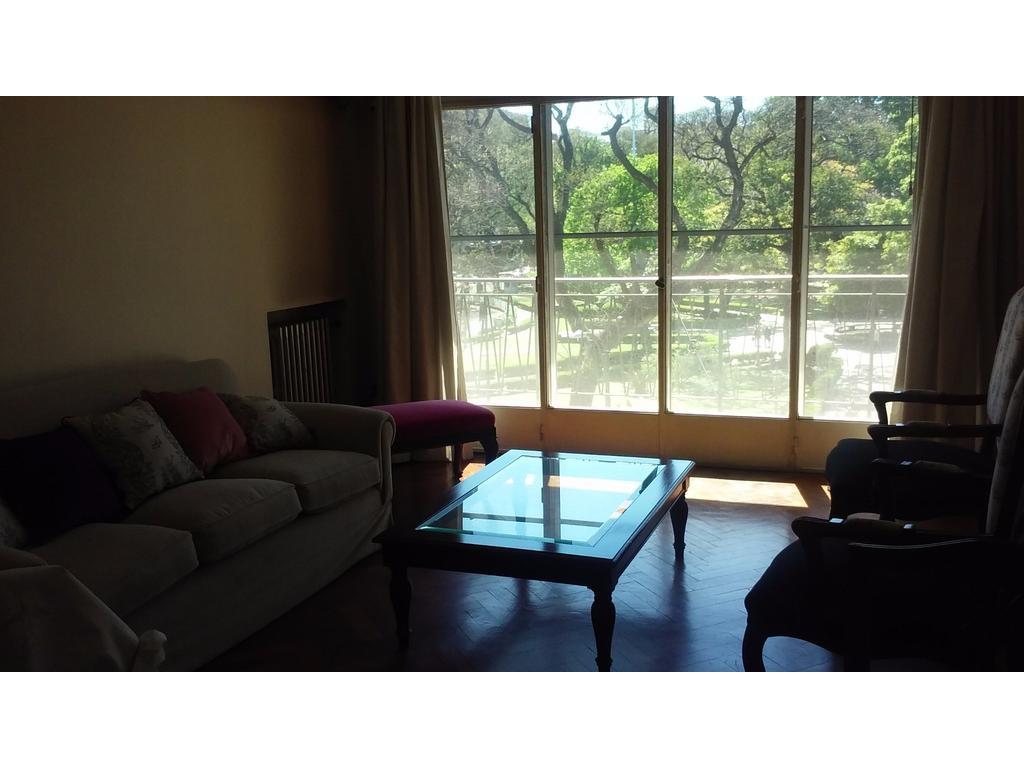 Venta Depto. 4 ambientes al frente c/balcón- excelente estado