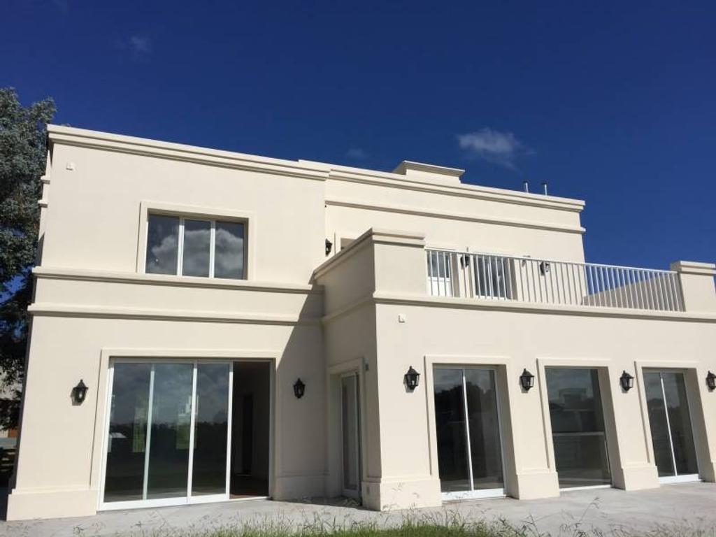 Casa en Alquiler por 24 meses en barrio Arenas del Sur, Mar del Plata