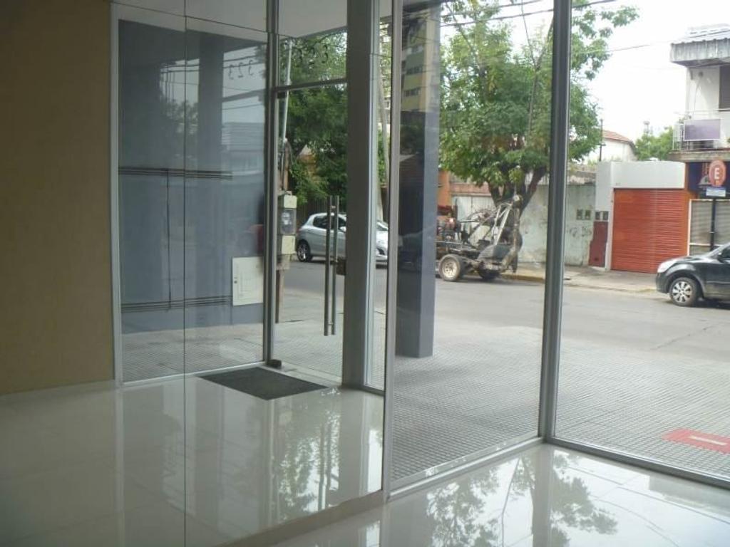 Venta de Departamento en Edificio Yrigoyen zona Pilar, Gran Bs.As., Argentina,