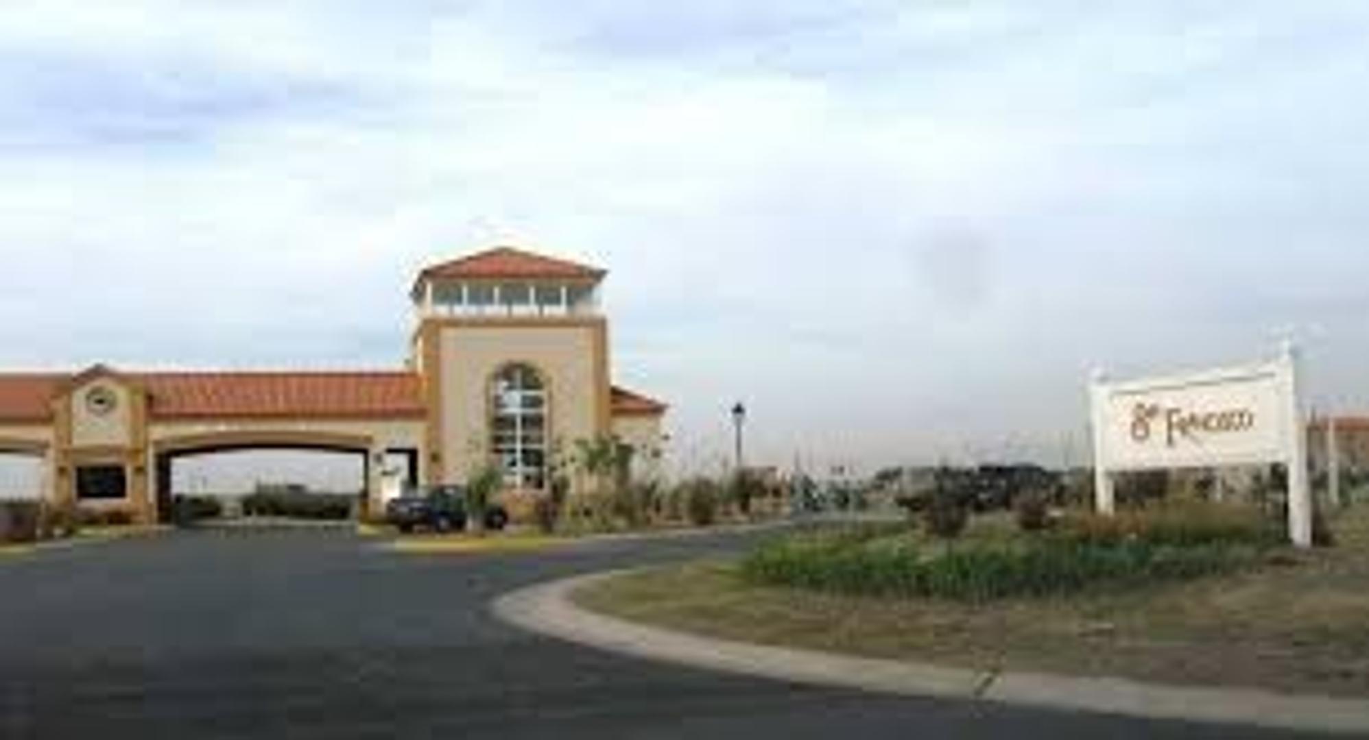 Excelente casa y ubicación en Barrio San Francisco - Villanueva - Benavidez - Tigre