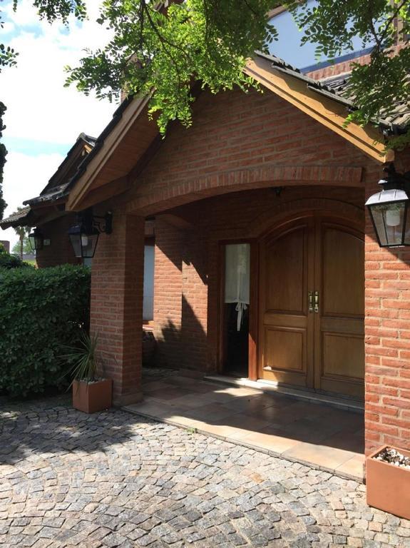 Casa  en Venta ubicado en C.C. Banco Provincia, Zona Oeste - OES0993_LP147439_1
