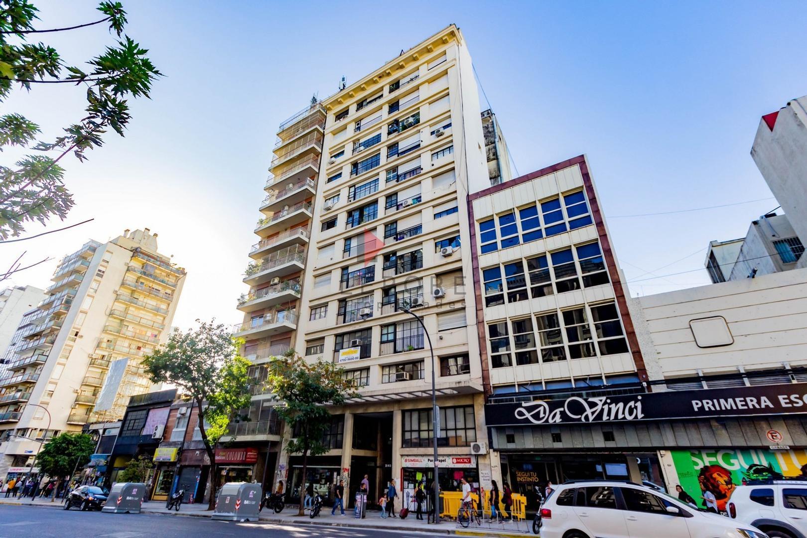 Corrientes 2063 8º 93 LEPORE