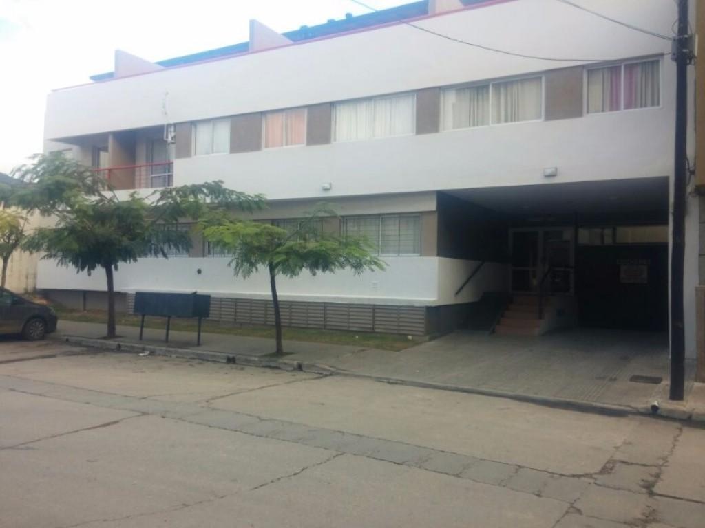 ALQUILER DEPARTAMENTO DE DOS DORMITORIOS CENTRO CARLOS PAZ