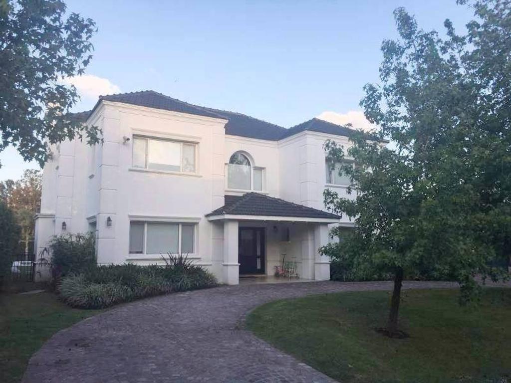 Casa en venta  Barrio Los Jazmines, Pilar del Este