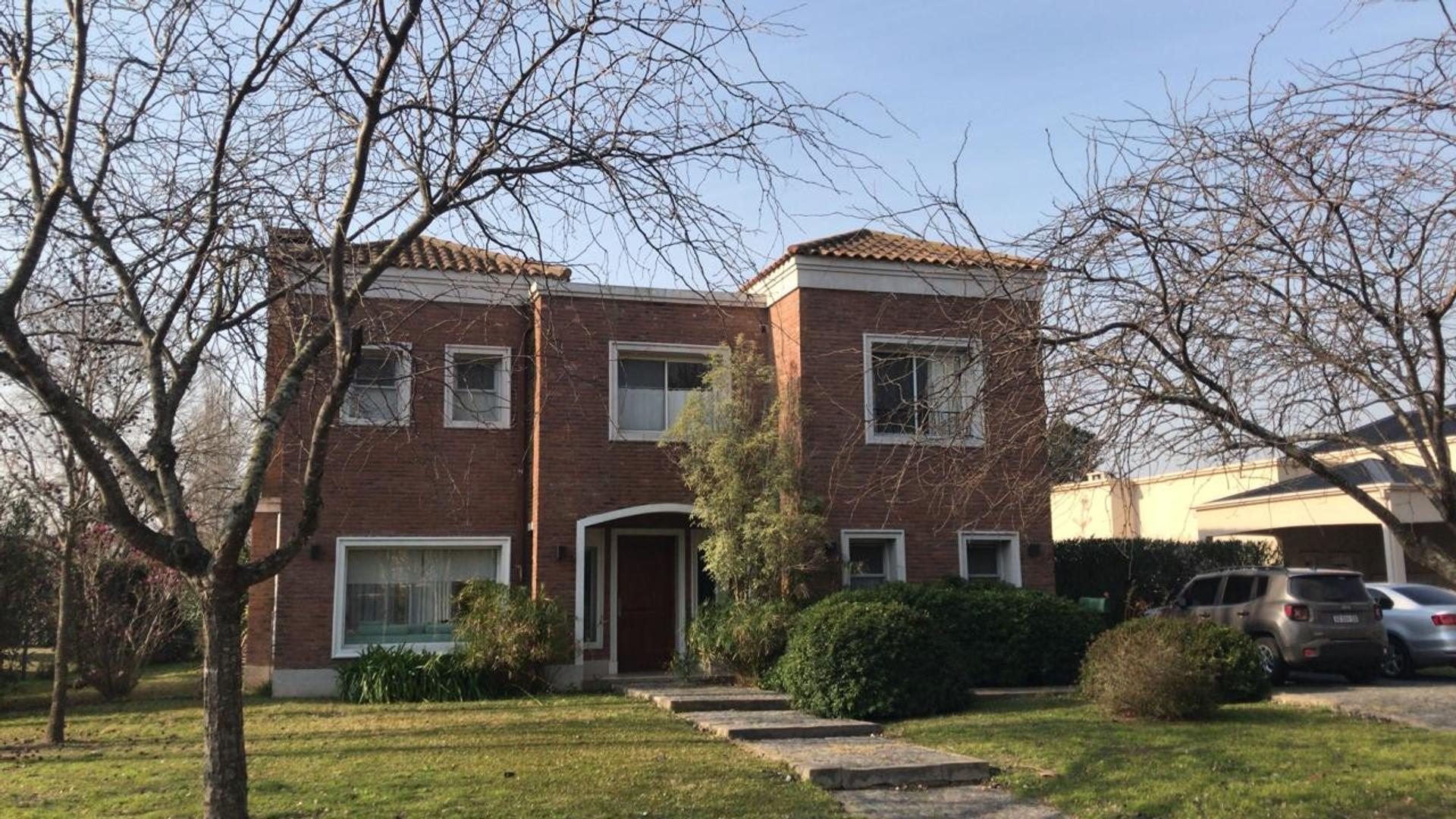 Casa en Alquiler en Pilar Del Este - 4 ambientes