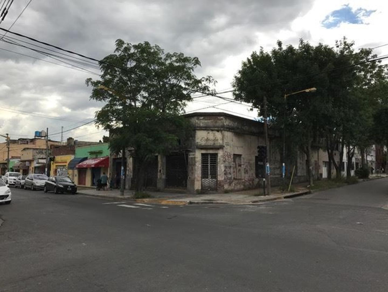 Terreno en esquina comercial de Villa Maipú. Estrada y Junin