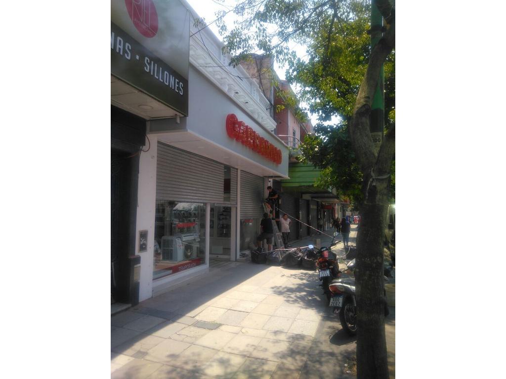 Atencion Grandes Cadenas Comerciales - Locales 550m2c s/ Av. Alberdi entre Oliden y Pieres