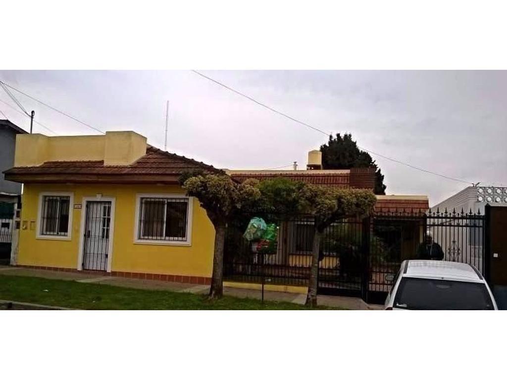 Casa En Venta En Pedro Ure A 200 Villa De Mayo Argenprop