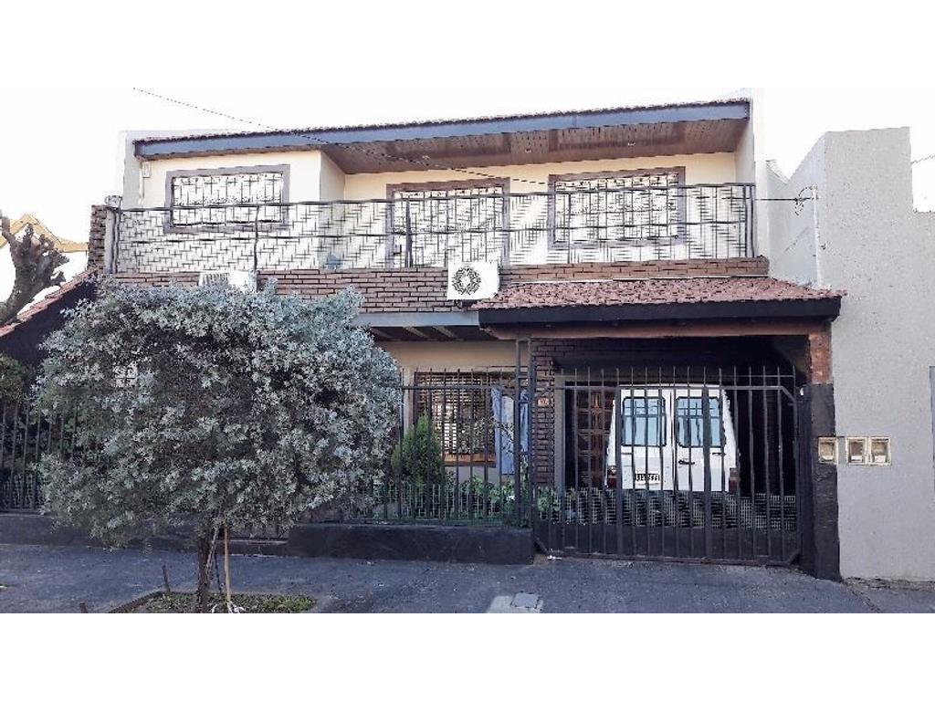 Casa de 5 ambientes en Ramos Mejia