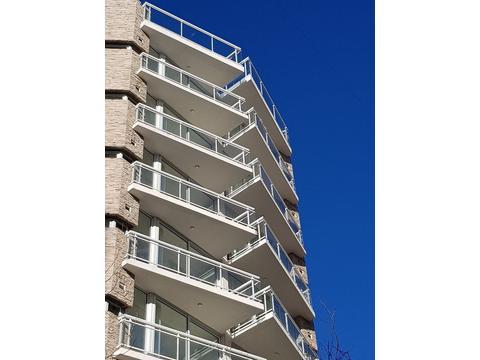 z/ Plaza Mitre- semipiso- 2 amb- 48 mts.2 - 2 baños - 1º piso-Posesion Octubre 2017