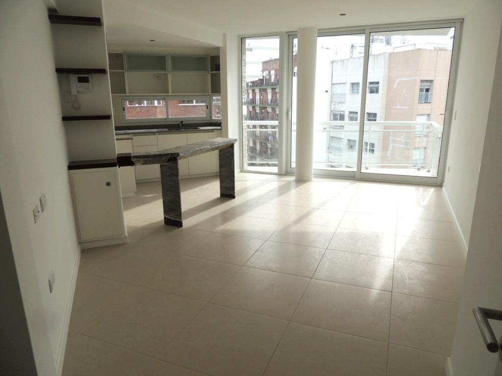 z/ Plaza Mitre- semipiso- 2 amb- 48 mts.2 - 2 baños - 1º piso-Posesion Inmediata