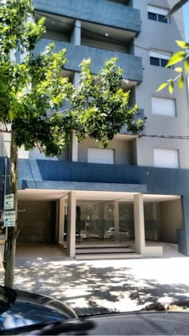 Departamento en Venta en Plaza Irigoyen - 2 ambientes