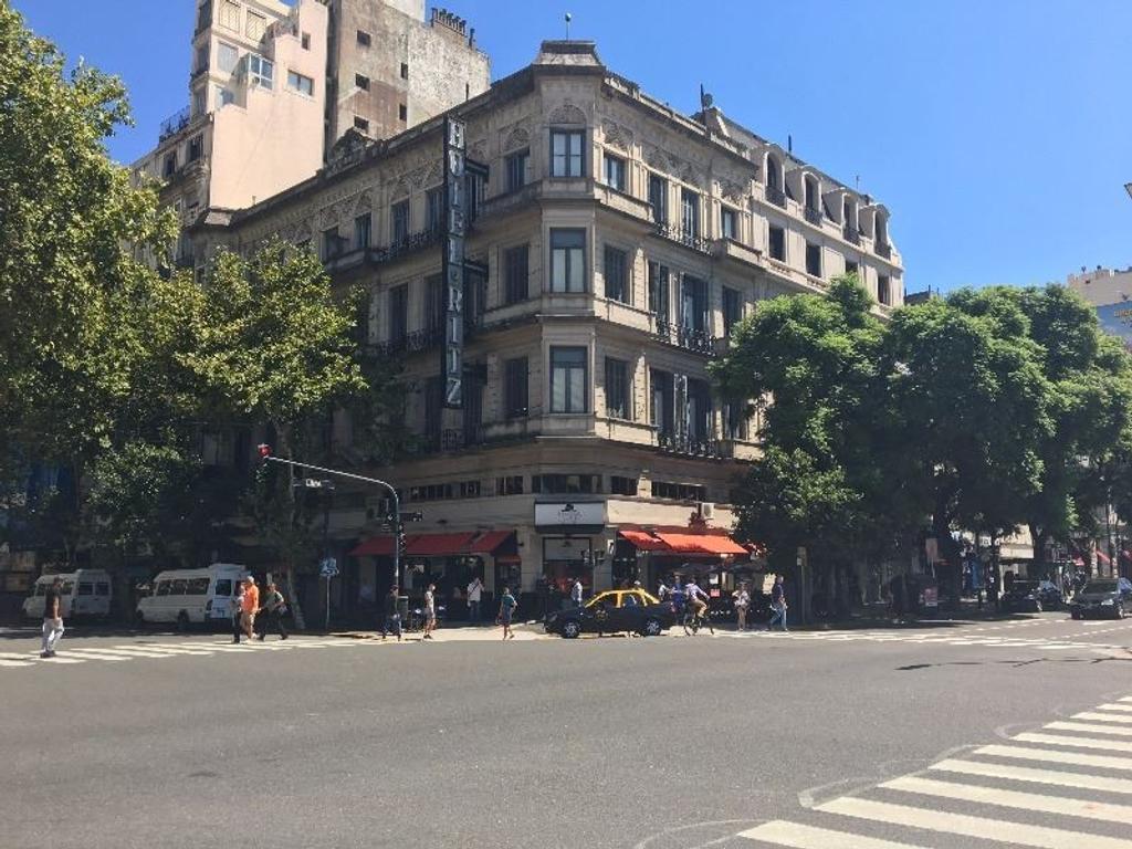 Av de Mayo 1111, Capital Federal - Edificio en Block con Local comercial