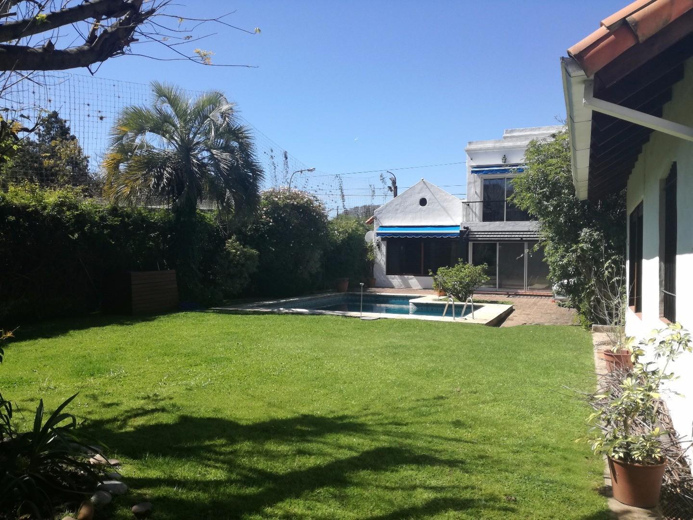 Excelente propiedad en Lomas de San Isidro