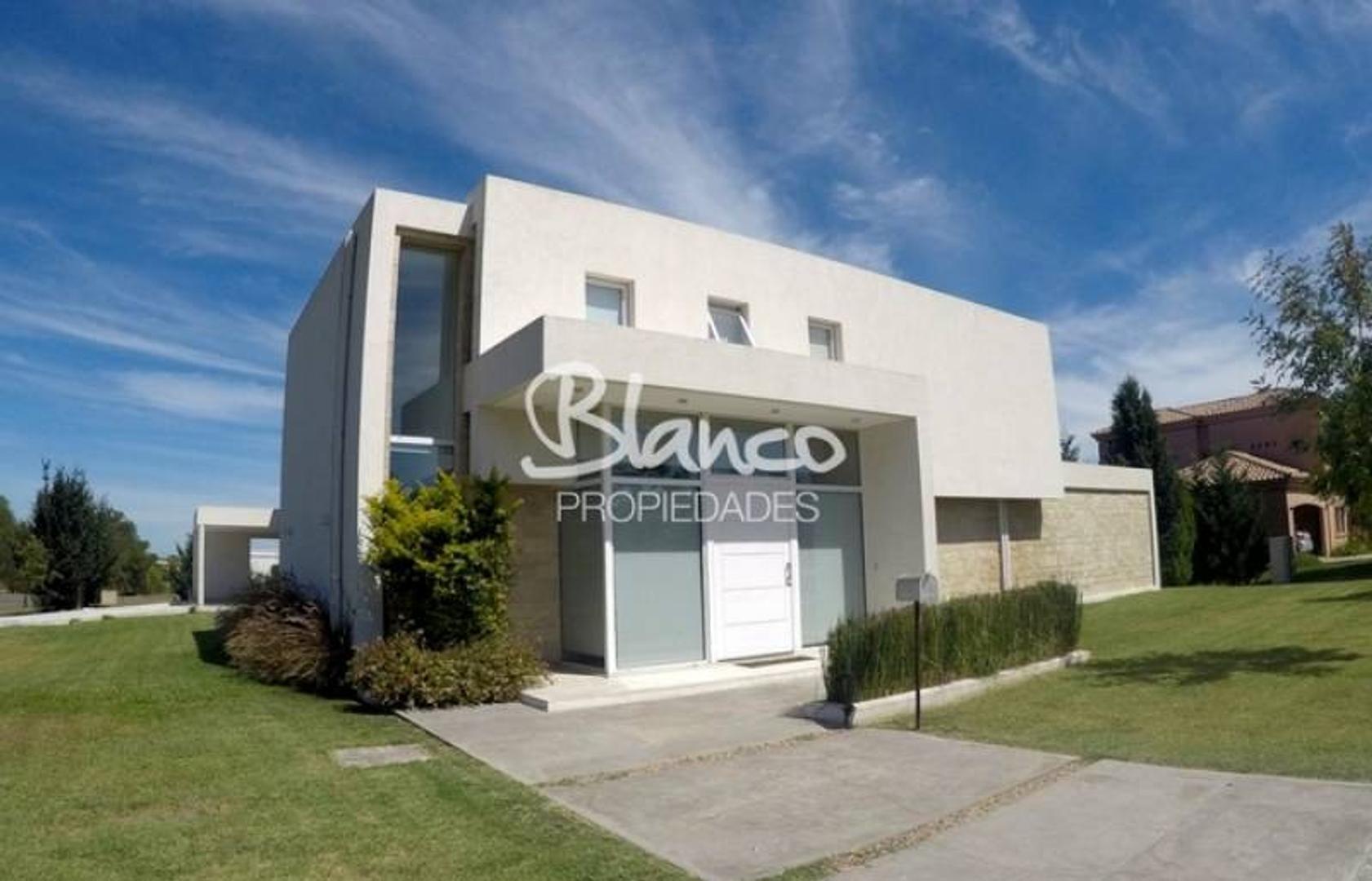 OPORTUNIDAD! .Excelente casa a la venta en Estancias del Pilar - Pilar