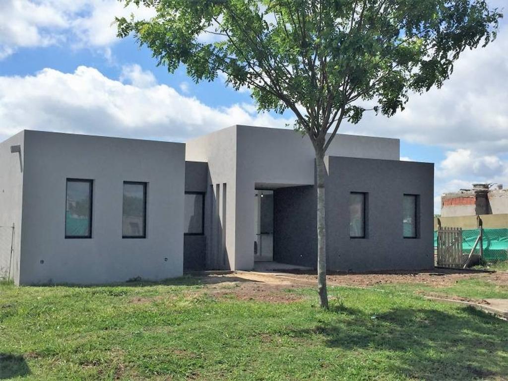 Casa en venta - U$S 240.000 - San Matias