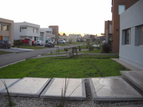 Casa A Estrenar Fincas 2, 4 Habitaciones, Alquiler