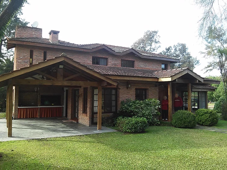 Casa en Venta en El Bosque - 4 ambientes