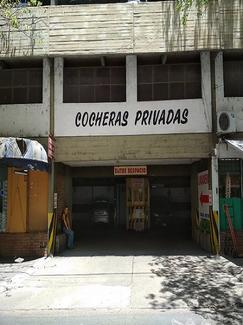 Cochera ubicada en la 1er Planta de un edificio exclusivo de cocheras en pleno centro de la ciudad.