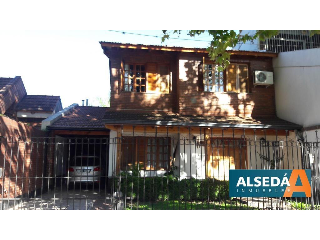 Casa de 3 dormitorios, cochera quincho, piscina, CALIDAD! MITRE 4365