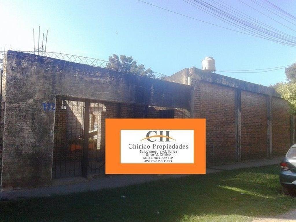 Casa de 2 Amb. sobre amplio terreno  Posee Escritura y Plano Aprobado