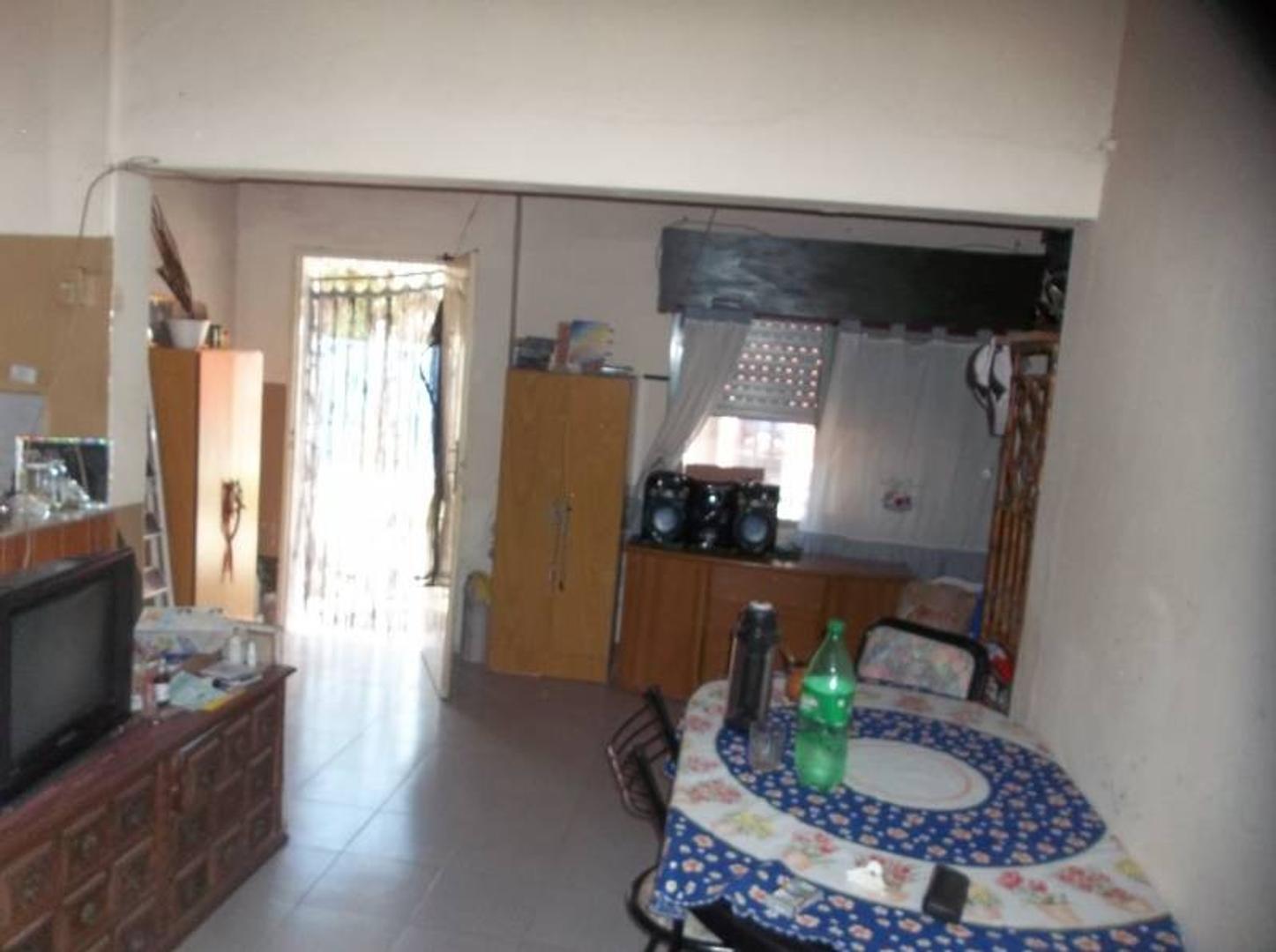 Vendo amplia casa en General Rodríguez