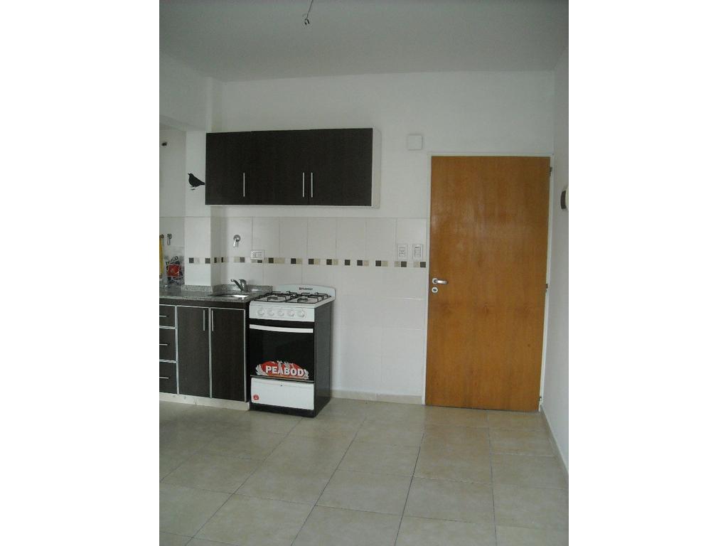 Departamento 2 ambientes  con cochera en alquiler. Laprida 200.Ramos Mejía