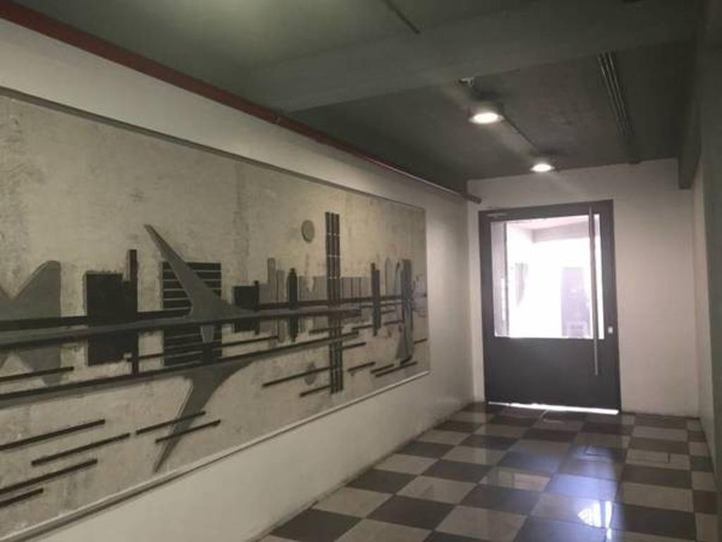EDIFICIO DE DISEÑO VANGUARDISTA UBICADO EN ZONA HISTORICA 2º PISO C/FRENTE SUPER LUMINOSO