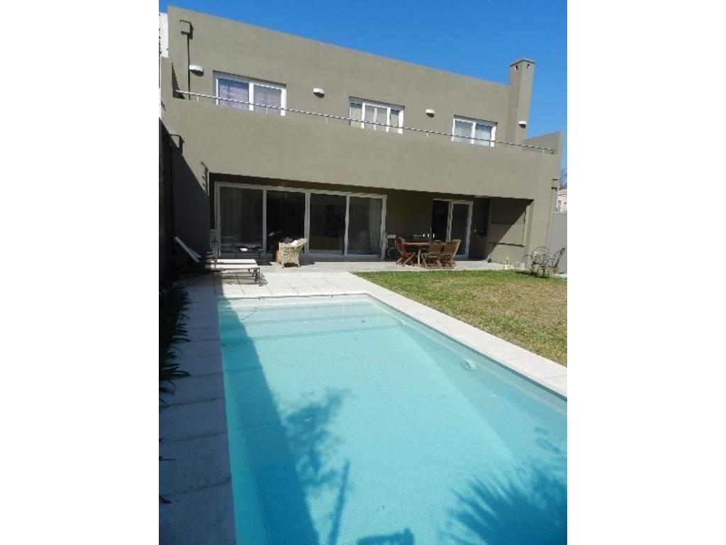 Casa de calidad y diseño en alquiler en Bº Cerrado Virasoro Village!