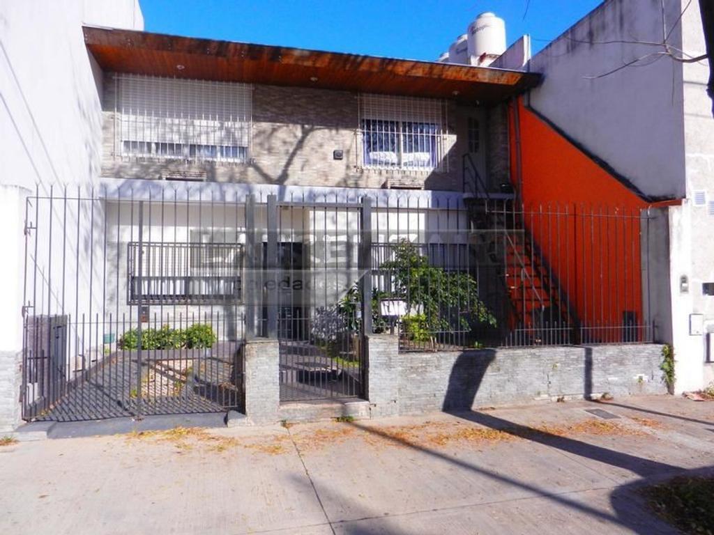 Casa en venta en condarco entre habana y pareja villa for Casa de azulejos en capital federal