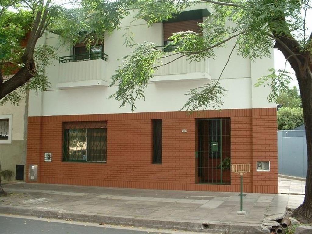 Venta de Casa 4 ambientes en Saavedra