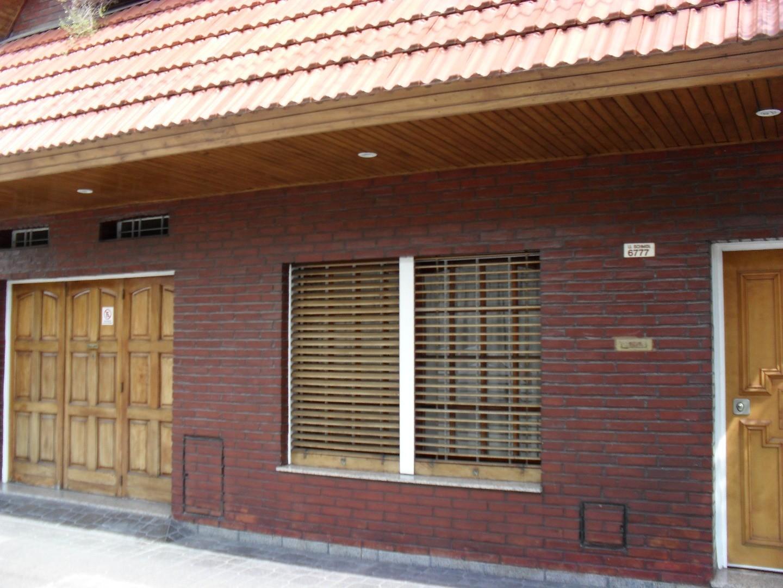 Casa en Venta en Liniers - 5 ambientes