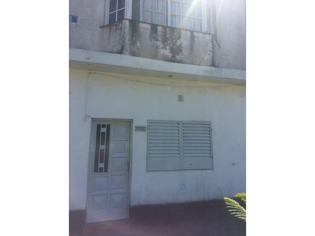 Departamento Tipo Casa - Alquiler - Argentina, Merlo - PUEYRREDON 2190