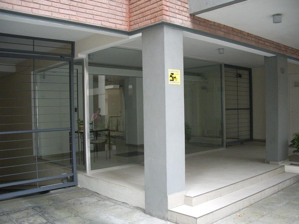 Departamento - Alquiler temporario - Argentina, Vicente López - MATIAS STURIZA  AL 600