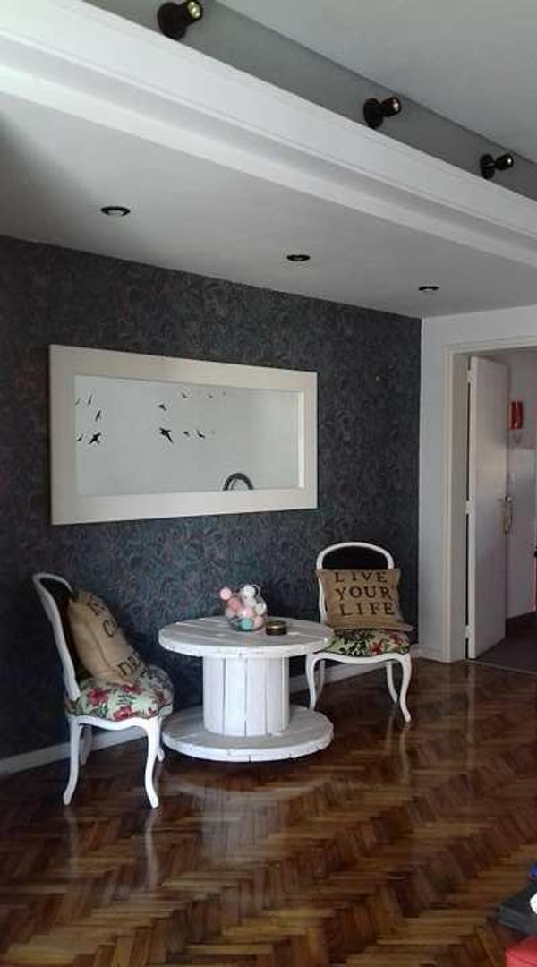 Muy buen departamento de 3 ambientes de 83 m2 sobre Av. Maipú!