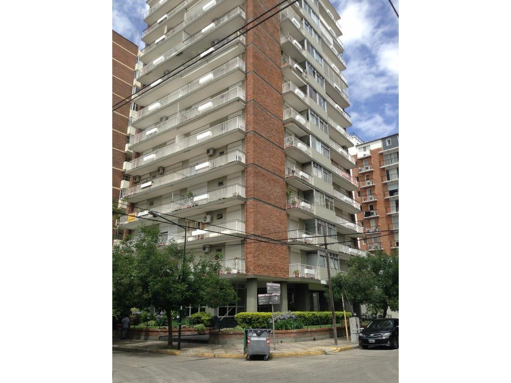 Departamento en Alquiler 2 Dormitorios con cochera y baulera, centro Martinez